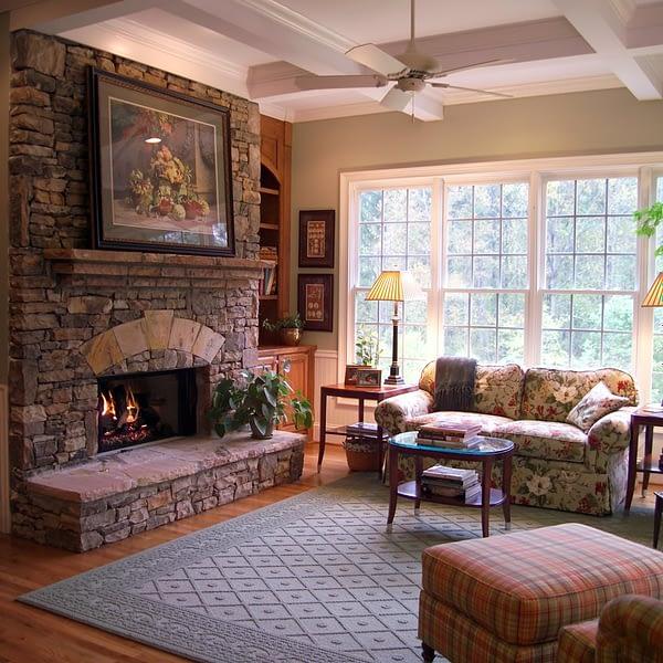 Комната в стиле Кантри с камином